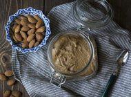 آموزش تصویری درست کردن کره بادام