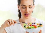 مواد خوراکی برای مقابله با اشعه UV خورشید