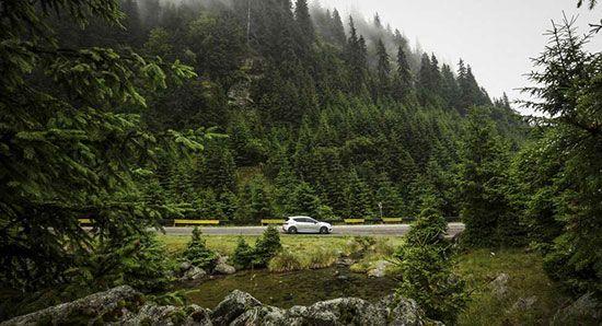 لذت رانندگی در زیباترین جاده های دنیا