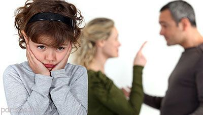دعوای پدر و مادر جلوی فرزندان