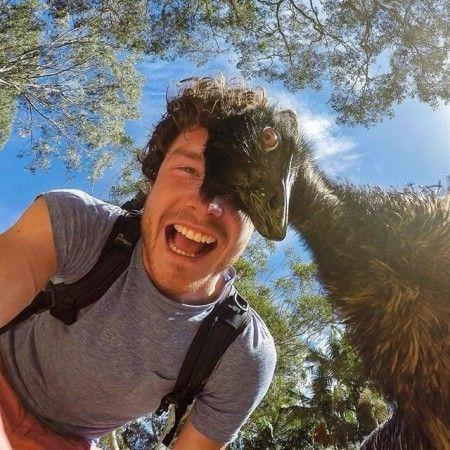 سلفی های خنده دار و جالب عکاس جوان با حیوانات