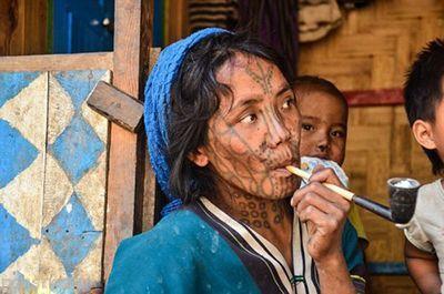 خالکوبی دردناک روی صورت زنان میانمار