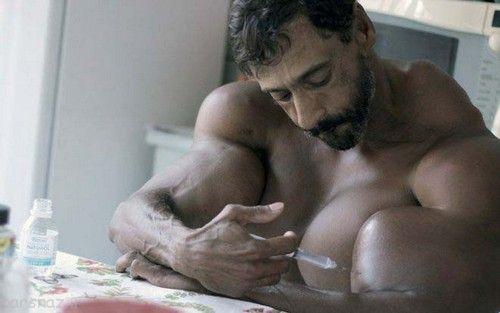 اندام عجیب مرد برزیلی بدنساز را ببینید