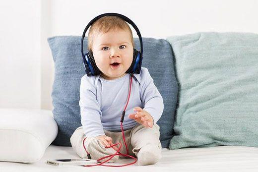 روند شکل گیری عواطف در نوزادان