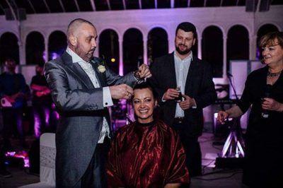 عروسی که بعد از مراسم موهای خود را تراشید