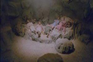 روایت ظهور اصحاب کهف از غار و یاری امام زمان (ع)