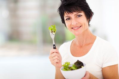 توصیه های تغذیه ای برای تاخیر در یائسگی