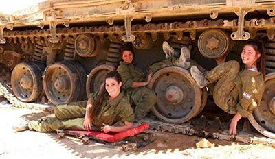 رابطه جنسی زنان داخل تانک ها در ارتش اسرائیل
