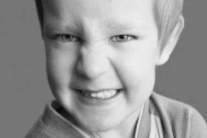 عواقب بد دندان قروچه در کودکان