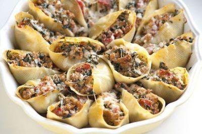 ماکارونی صدفی را با گوشت پر کنید خوشمزه