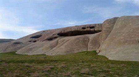 سفری به ایوان سنگی نیاق در قزوین