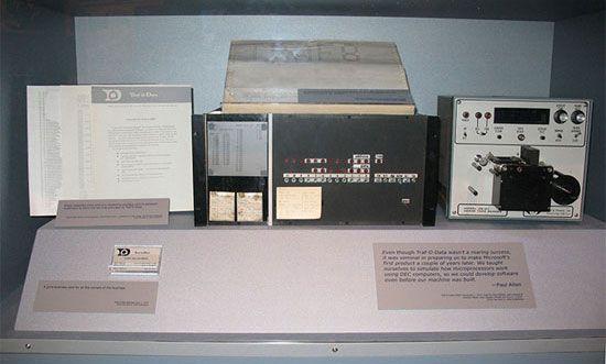 بیل گیتس سوداگر نابغه تاریخ تکنولوژی