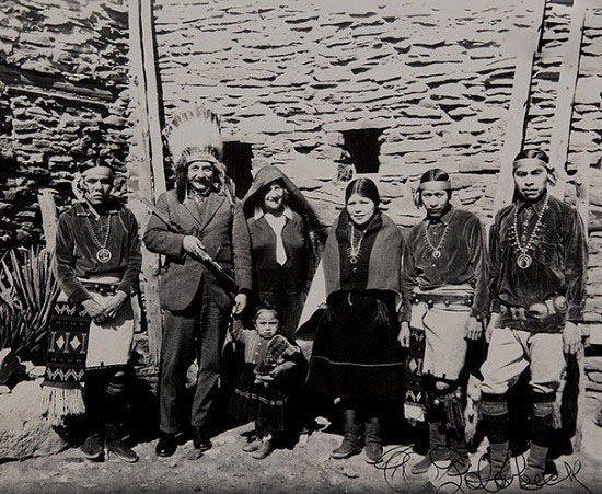 عکس های نوستالژیک و قدیمی افراد معروف جهان