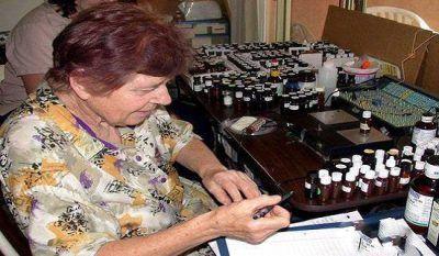 این زن در درمان سرطان معجره می کند