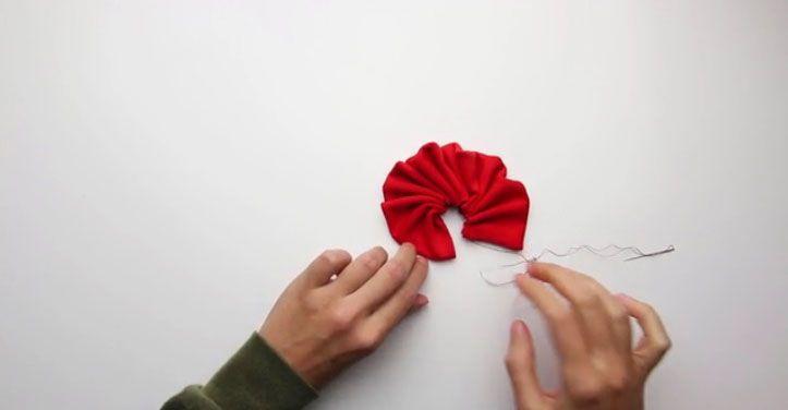 آموزش ساختن گل پارچه ای در خانه
