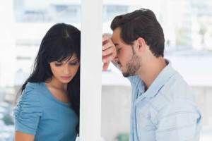 زنم قبل از ازدواج با مرد سن بالا رابطه داشته