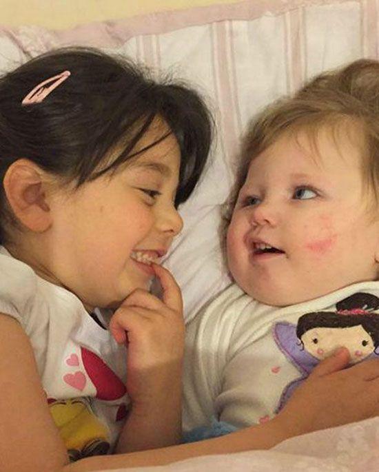 کودکی که هرگز لبخند نزده است +عکس