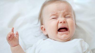 تصورات غلط درباره گریه کردن نوزادان
