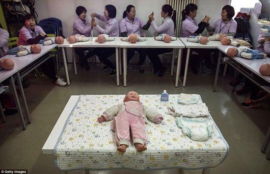 رونق شغل پرستاری بچه در چین