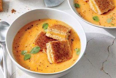 سوپ گوجه فرنگی خوشمزه را سریع درست کنید
