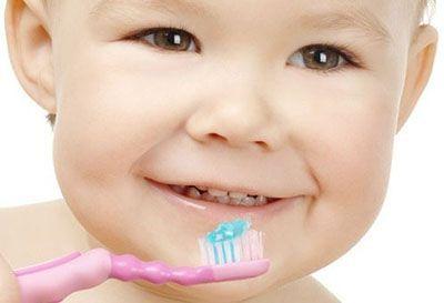 درباره مسواک زدن دندان های نوزاد
