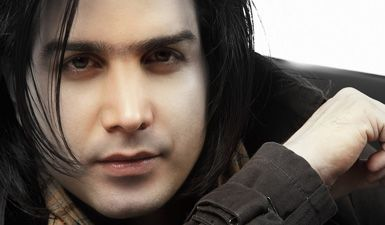 کلیپ واکنش محسن یگانه به حضور خواننده ها در ماهواره