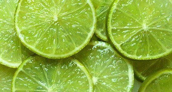 با همه خاصیت های مفید آب لیمو آشنا شویم