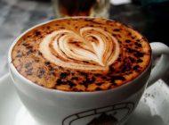 کاپوچینوی خوشمزه را با شکلات سفید میل کنید