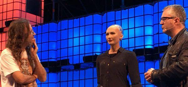سوفیا ربات فوق هوشمند را بشناسید
