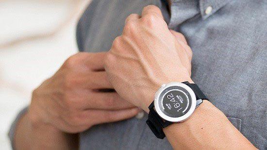 این ساعت هوشمند با حرارت بدن شارژ می شود
