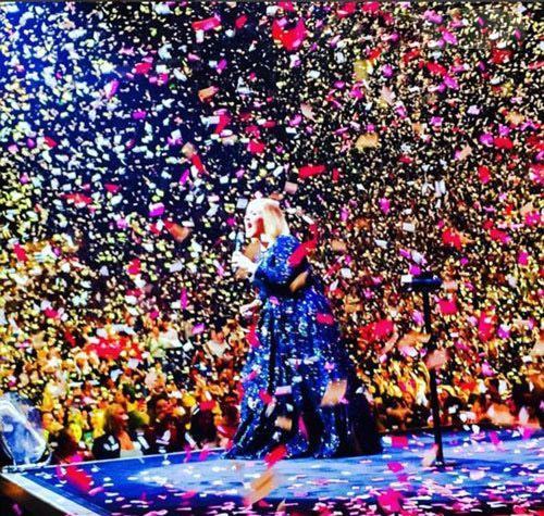 جشن ازدواج ادل خواننده انگلیسی محبوب