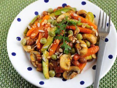 هویج را همراه با مغزدانه ها میل کنید