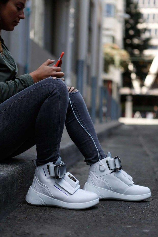 کفش هوشمند با امکانات فوق العاده +عکس