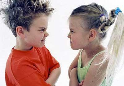جلوگیری از دعواهای مکرر بین خواهر و برادر