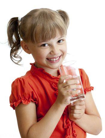 مقدار آب مورد نیاز بدن کودکان در طول روز