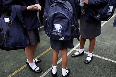 تجاوز جنسی به دختران دانش آموز بریتانیا و نگرانی مسئولین