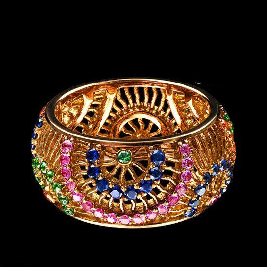 جواهرات و زیورآلات زیبا از برند Jewellery Theatre