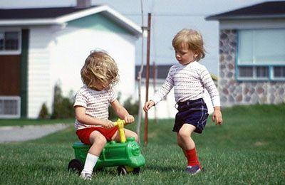 چرا از دوران کودکی خاطره ای در ذهن ما نیست؟