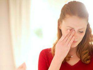 دلیل گریه کردن مداوم همسر را بدانید