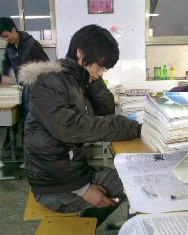 خفن ترین روش های تقلب کردن در امتحانات
