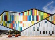 جلوه های زیبای رنگ در ساختمان آکادمی هنر