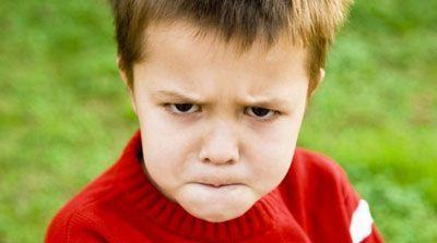 رابطه رفتار والدین و لجبازی کودکان