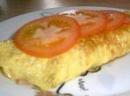 املت پنیر و ژامبون را برای صبحانه سرو کنید