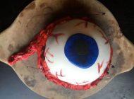 طرز تهیه کیک خامه ای شبیه چشم