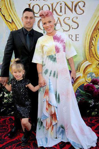 عکس بازیگران و ستاره های خارجی به همراه فرزندانشان