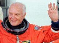 مرگ جان گلن پیرترین فضانورد تاریخ در 95 سالگی