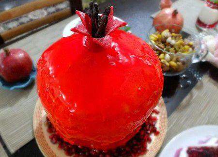 انواع تزیینات کیک با حال و هوای شب یلدا