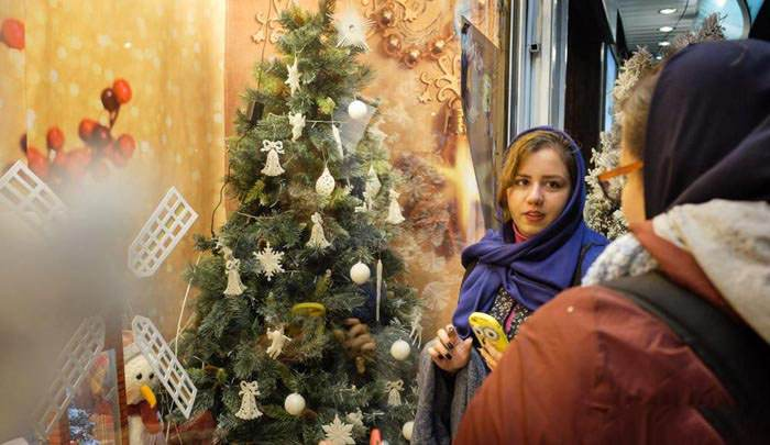 حال و هوای کریسمس در شهر تهران +عکس