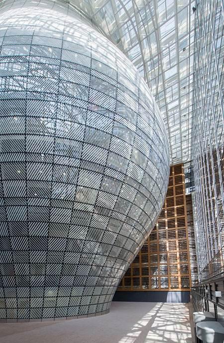 ساختمان شیشه ای جدید اتحادیه اروپا را ببینید