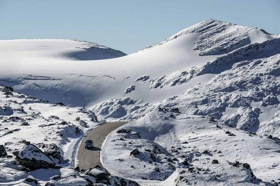 سفری به طبیعت شگفت انگیز نروژ با رنجروور